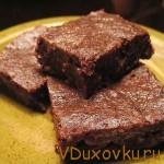 Сыроедческие рецепты: Сыроедческий торт «Брауни»