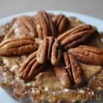 Вегетарианские и сыроедческие рецепты: Сыроедческое пирожное «Ореховая радость»