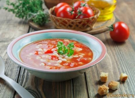 фасолада или фасолевый суп с томатами