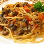 Вегетарианские и веганские рецепты / Паста с грибами и помидорами