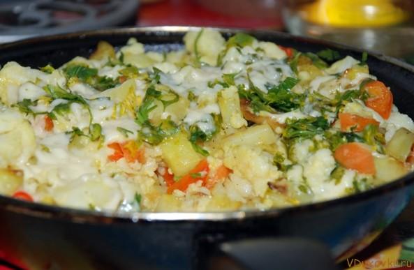 сабджи из цветной капусты, картошки и панира