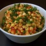 Сыроедческий салат из пророщенного гороха / Сыроедческие и вегетарианские рецепты
