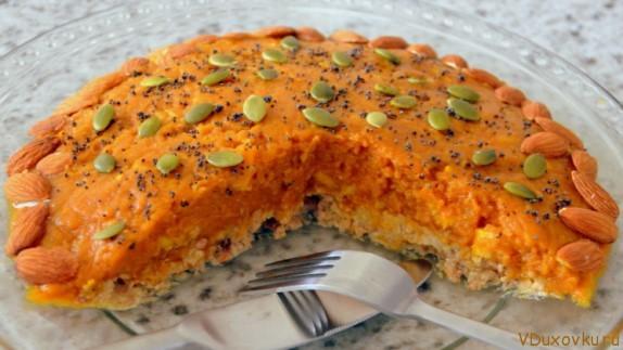 Сыроедческий пирог из тыквы и орехов